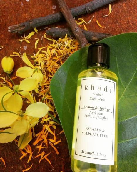 Khadi Herbal Face Wash Lemon & Teatree Review