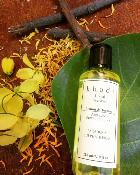 Khadi Herbal Face Wash Lemon & Teatree Review